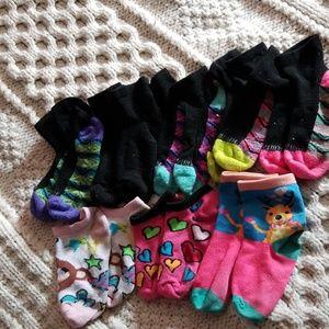 8 pairs of girls socks